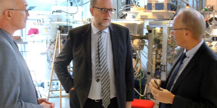 The president of DTU Anders Bjarklev, the Danish minister for Energy, Utilities and Climate Lars Chr. Lilleholt and the head of DTU Energi Søren Linderoth talk about research in energy technologies